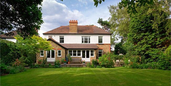 Asking Price £1,250,000, 4 Bedroom Detached House For Sale in Hersham, KT12