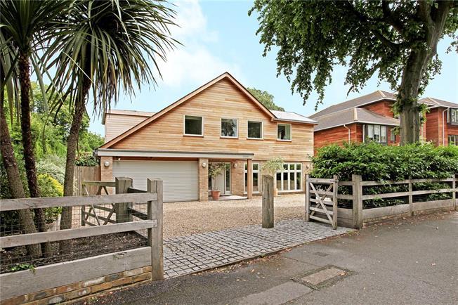 Asking Price £1,425,000, 4 Bedroom Detached House For Sale in Walton-on-Thames, KT12
