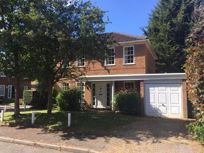 Asking Price £850,000, 4 Bedroom Detached House For Sale in Weybridge, KT13