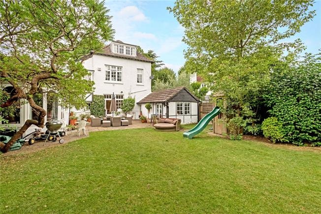 Offers in excess of £1,100,000, 5 Bedroom Detached House For Sale in Shepperton, TW17