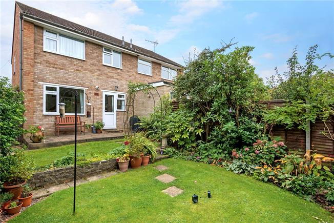 Asking Price £409,950, 3 Bedroom Semi Detached House For Sale in Surrey, KT15