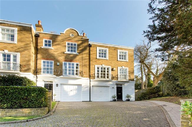 Offers in excess of £800,000, 4 Bedroom House For Sale in Weybridge, Surrey, KT13
