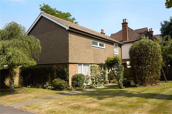 Offers in excess of £700,000, 4 Bedroom Detached House For Sale in Walton-on-Thames, KT12