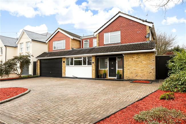 Guide Price £1,200,000, 5 Bedroom Detached House For Sale in Hersham, KT12