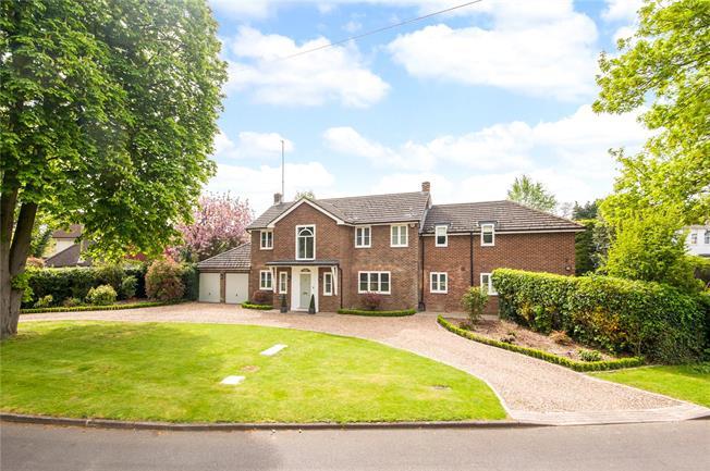 Asking Price £1,995,000, 5 Bedroom Detached House For Sale in Weybridge, KT13
