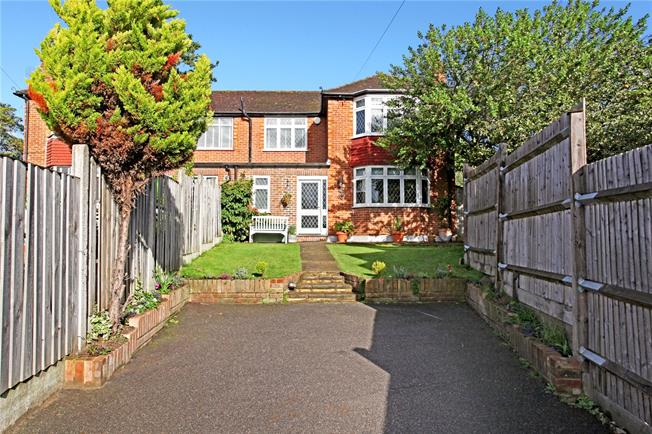 Guide Price £680,000, 3 Bedroom Semi Detached House For Sale in Weybridge, KT13