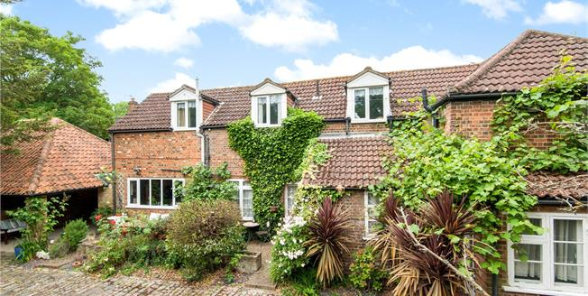 Asking Price £799,950, 4 Bedroom Detached House For Sale in Shepperton, TW17