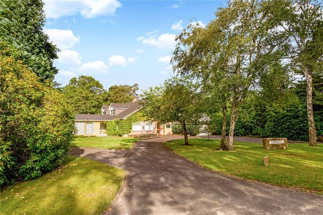 Guide Price £2,250,000, 5 Bedroom Detached House For Sale in Hersham, KT12