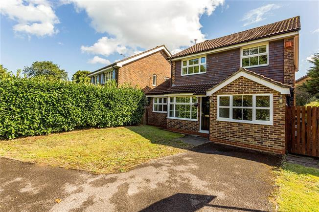 Asking Price £535,000, 4 Bedroom Detached House For Sale in Addlestone, KT15