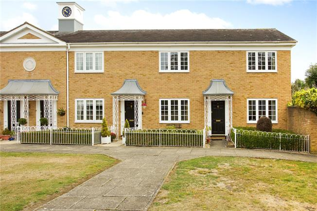 Asking Price £469,995, 2 Bedroom Terraced House For Sale in Weybridge, KT13
