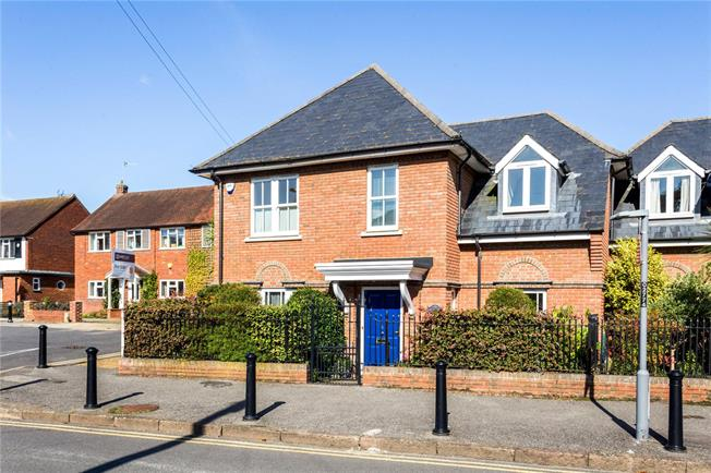 Asking Price £995,000, 4 Bedroom End of Terrace House For Sale in Shepperton, TW17