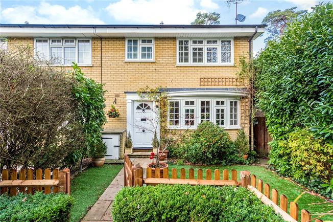 Asking Price £695,000, 3 Bedroom Terraced House For Sale in Weybridge, KT13