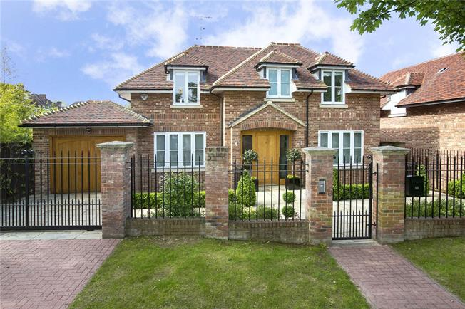 Guide Price £2,900,000, 5 Bedroom Detached House For Sale in London, SW15