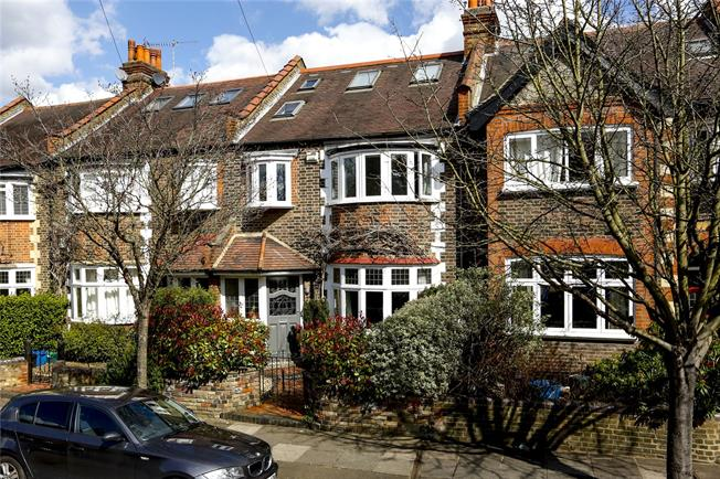 Guide Price £1,415,000, 4 Bedroom Terraced House For Sale in London, SW14