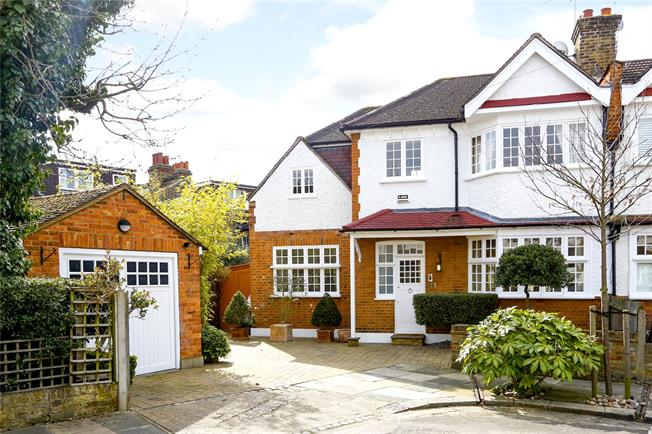 Guide Price £1,200,000, 3 Bedroom Semi Detached House For Sale in London, SW14