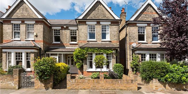 Asking Price £1,125,000, 3 Bedroom Semi Detached House For Sale in East Sheen, SW14