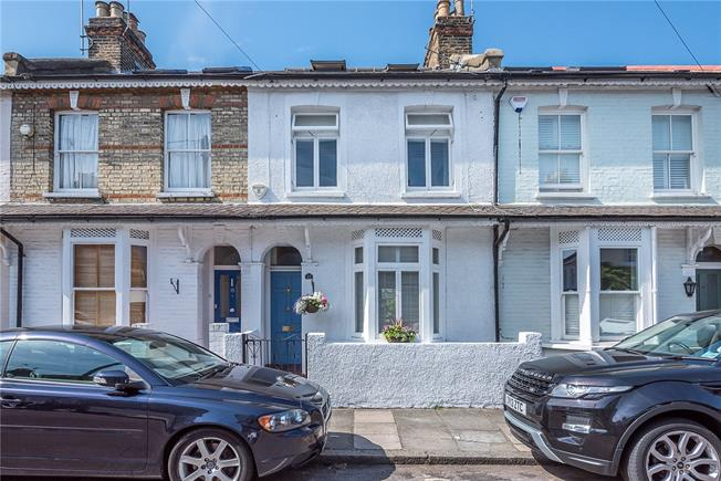 Guide Price £925,000, 3 Bedroom Terraced House For Sale in East Sheen, SW14