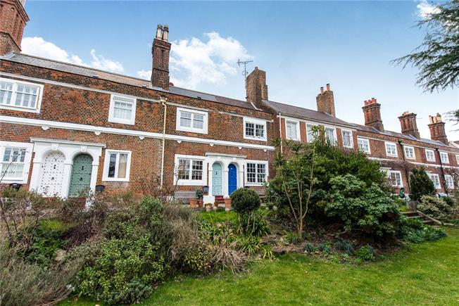 Asking Price £785,000, 2 Bedroom Terraced House For Sale in London, SW14