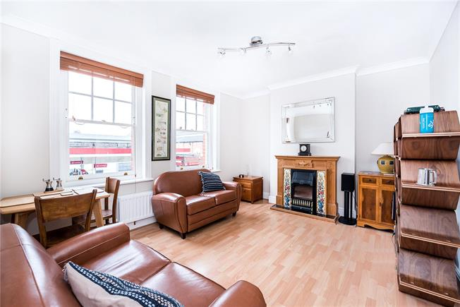Offers in excess of £400,000, 2 Bedroom Flat For Sale in East Sheen, SW14