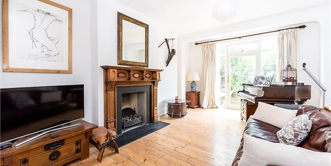 Guide Price £1,325,000, 4 Bedroom Semi Detached House For Sale in Richmond, TW10