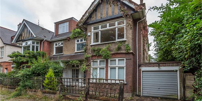Guide Price £1,950,000, 5 Bedroom Semi Detached House For Sale in Richmond, TW10