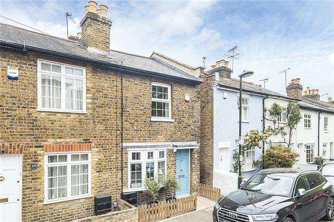 Guide Price £699,995, 2 Bedroom Terraced House For Sale in London, SW14
