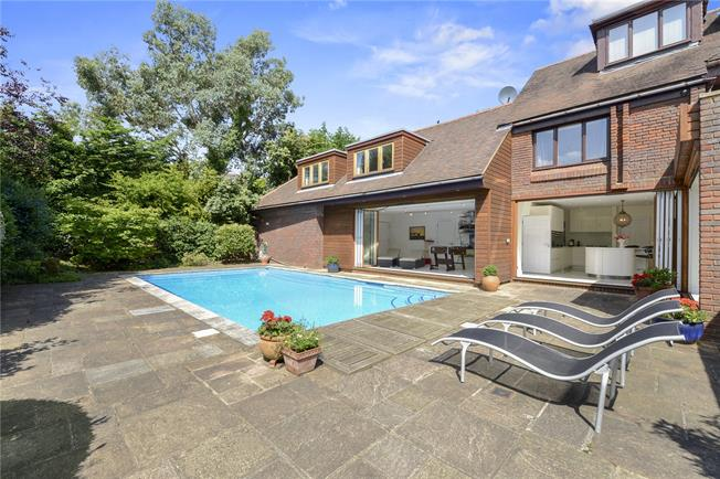 Asking Price £3,250,000, 6 Bedroom Detached House For Sale in London, SW14