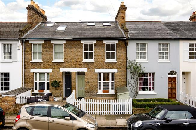 Guide Price £1,200,000, 3 Bedroom Terraced House For Sale in London, SW13