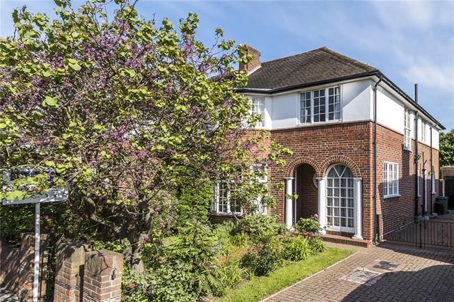 Guide Price £1,500,000, 4 Bedroom Semi Detached House For Sale in London, SW14