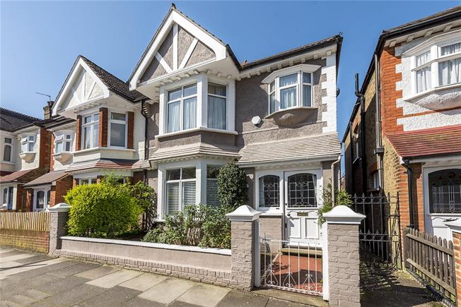 Guide Price £1,100,000, 3 Bedroom Semi Detached House For Sale in London, SW14