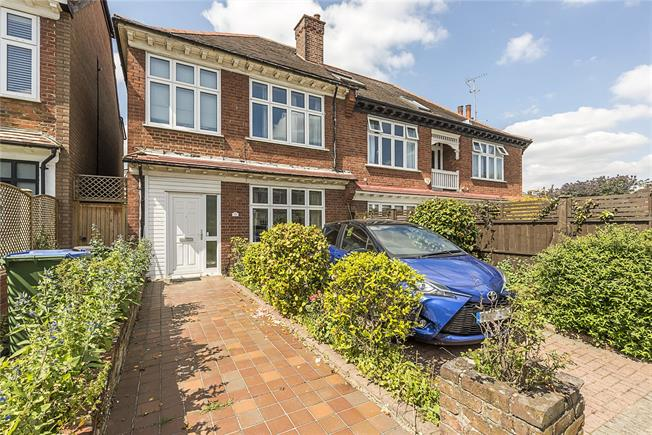 Guide Price £1,025,000, 3 Bedroom Semi Detached House For Sale in London, SW14