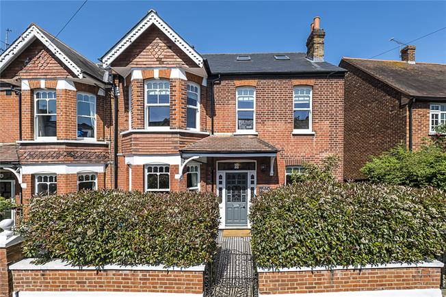 Guide Price £1,750,000, 5 Bedroom Semi Detached House For Sale in East Sheen, SW14