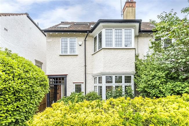 Guide Price £1,395,000, 4 Bedroom Semi Detached House For Sale in London, SW14