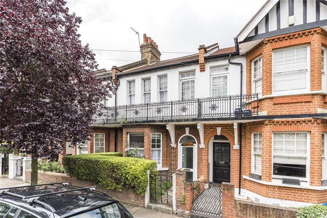 Guide Price £1,075,000, 3 Bedroom Terraced House For Sale in London, SW14
