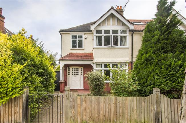 Guide Price £1,185,000, 3 Bedroom Semi Detached House For Sale in London, SW14