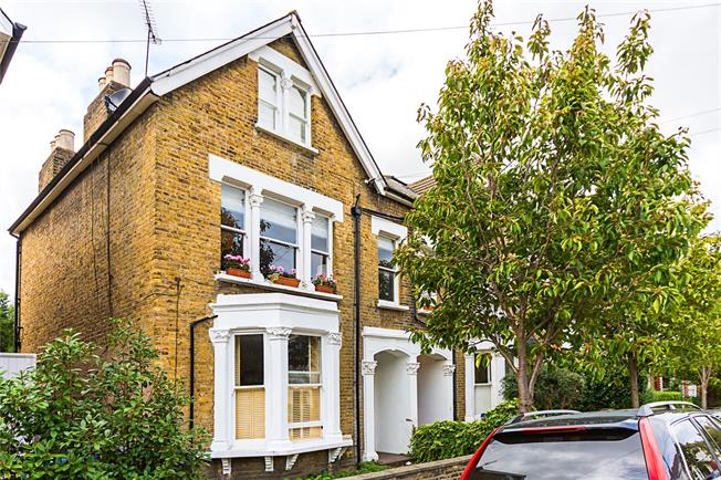 Offers in excess of £699,950, 3 Bedroom Flat For Sale in London, SW14