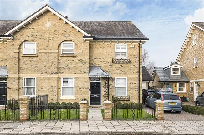 Guide Price £1,850,000, 3 Bedroom Semi Detached House For Sale in London, SW13
