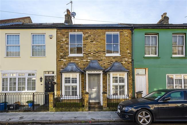 Guide Price £1,250,000, 4 Bedroom Terraced House For Sale in London, SW13