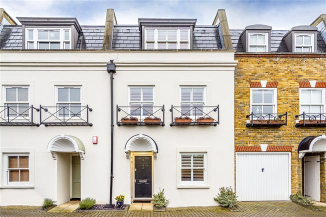 Guide Price £1,350,000, 4 Bedroom Terraced House For Sale in London, SW13