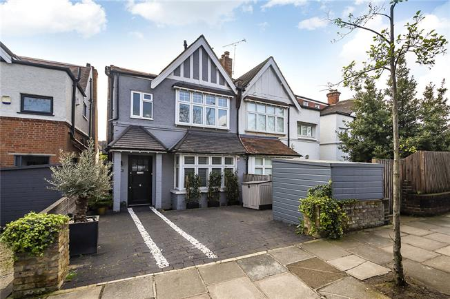 Guide Price £1,165,000, 4 Bedroom Semi Detached House For Sale in London, SW14