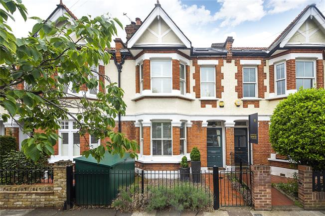 Guide Price £1,195,000, 5 Bedroom Terraced House For Sale in London, SW14