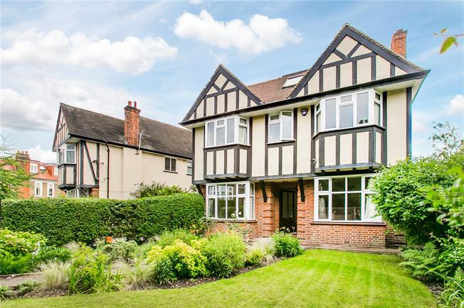 Guide Price £2,100,000, 5 Bedroom Garage For Sale in London, SW14