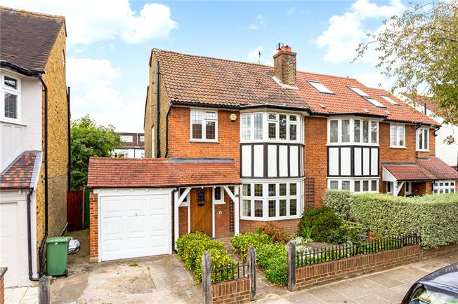 Guide Price £1,250,000, 3 Bedroom Semi Detached House For Sale in London, SW14
