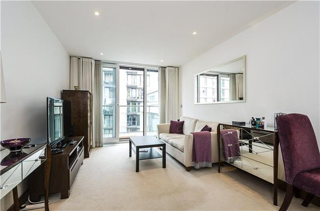 Asking Price £595,000, 1 Bedroom Flat For Sale in London, SW11