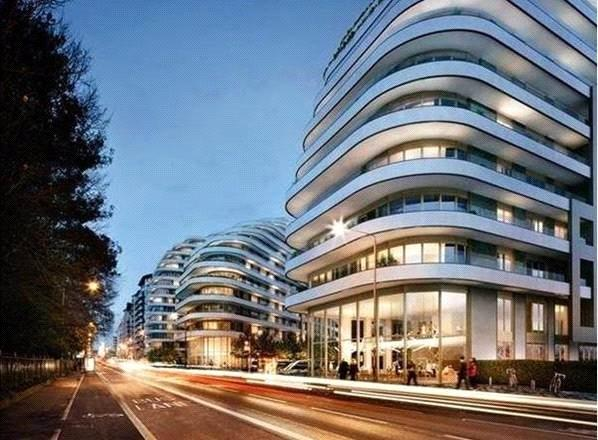 Asking Price £1,360,000, 3 Bedroom Flat For Sale in London, SW8