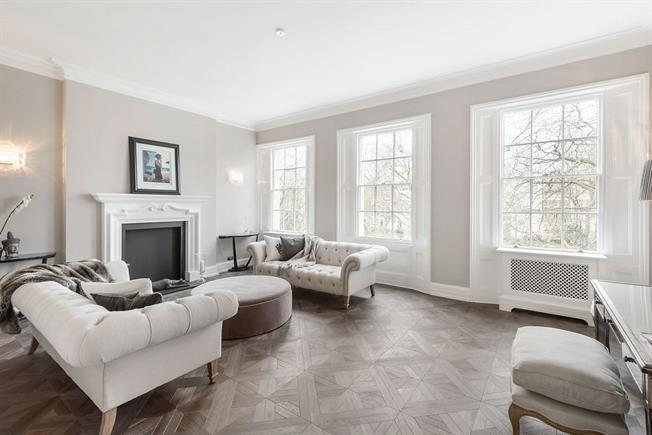 Asking Price £2,500,000, 2 Bedroom Flat For Sale in London, SW1W
