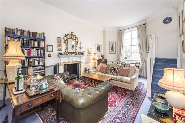 Asking Price £875,000, 2 Bedroom Flat For Sale in London, SW1W
