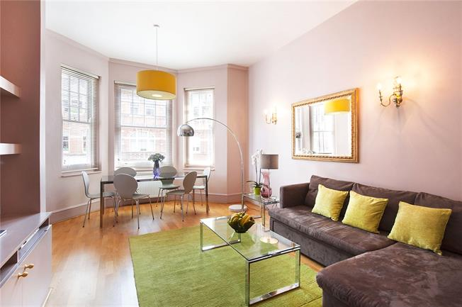 Asking Price £1,595,000, 2 Bedroom Flat For Sale in London, SW3