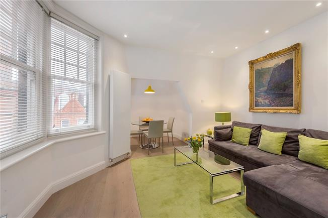 Asking Price £1,195,000, 2 Bedroom Flat For Sale in London, SW3