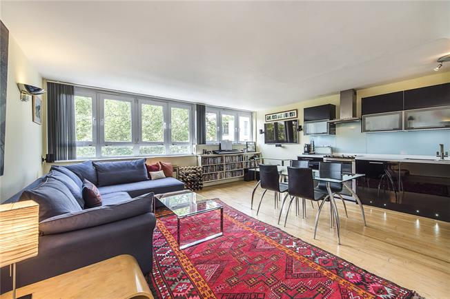 Asking Price £695,000, 2 Bedroom Flat For Sale in London, SW1W